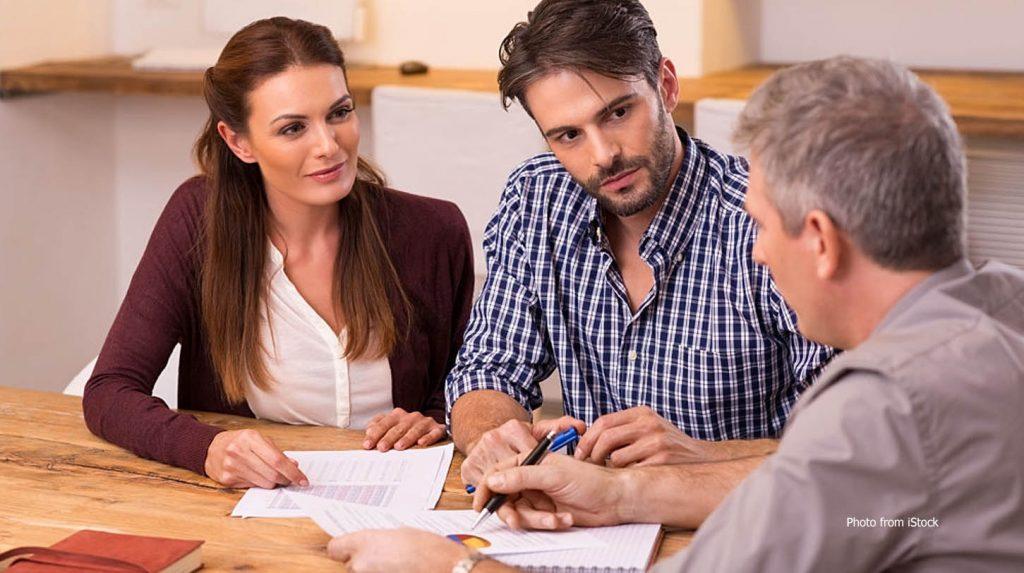 berkomunikasi dengan orang yang memberi hutang